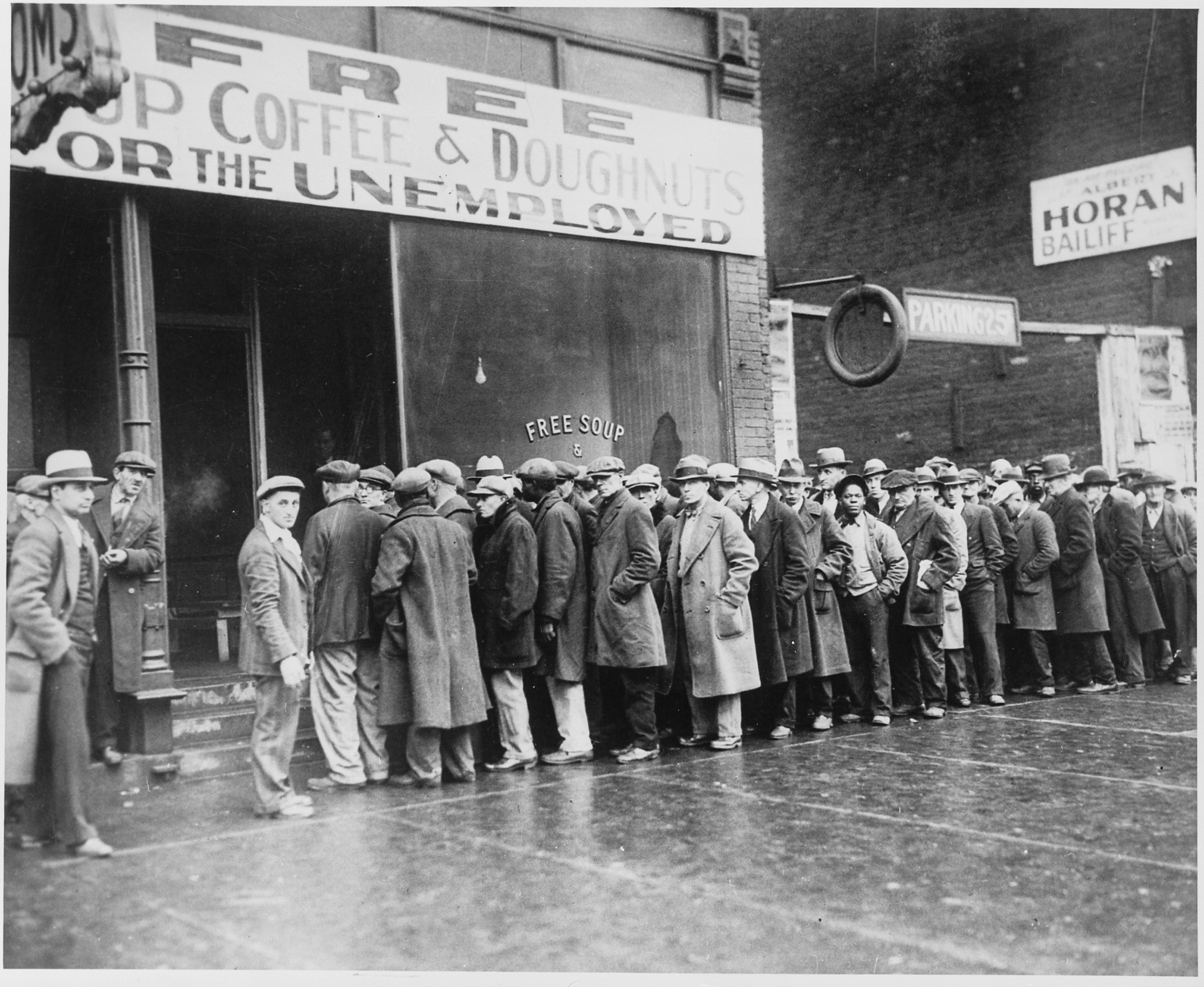 the beginning of the great depression in the united states A common fallacy is that the great depression was ended by the explosive spending of world war ii but world war ii actually institutionalized the sharp decline in the standard of living caused by the depression the depression was actually ended, and prosperity restored, by the sharp reductions in.
